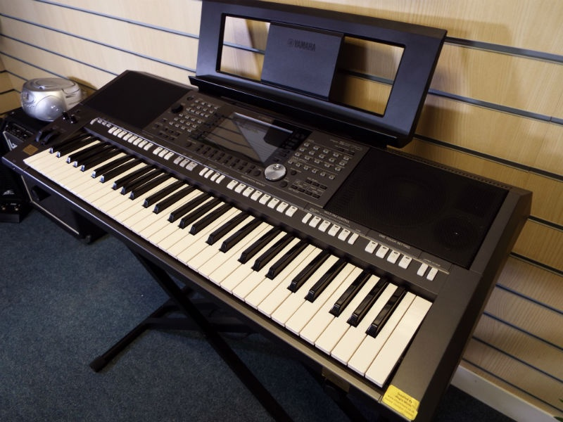 used yamaha psr s970 keyboard. Black Bedroom Furniture Sets. Home Design Ideas