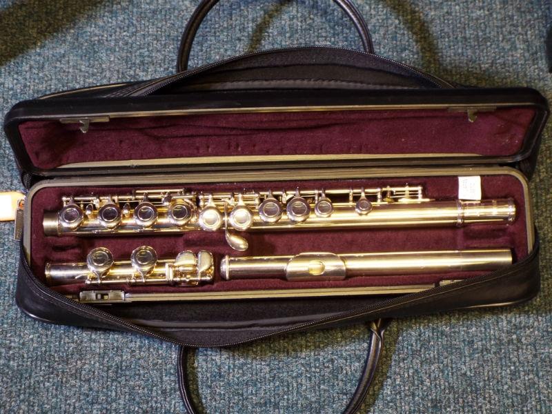 Used yamaha yfl 211 flute for Piccolo prices yamaha